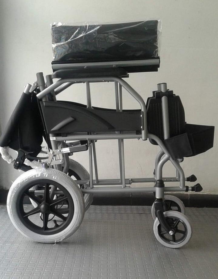 Sillas de llantas usadas por personas para las que caminar for Sillas de ruedas usadas